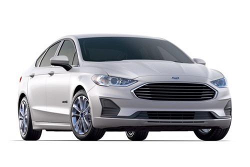 9. Ford Fusion Hybrid 2019 (tổng quãng đường di chuyển mỗi lần tiếp nhiên liệu: 969 km).