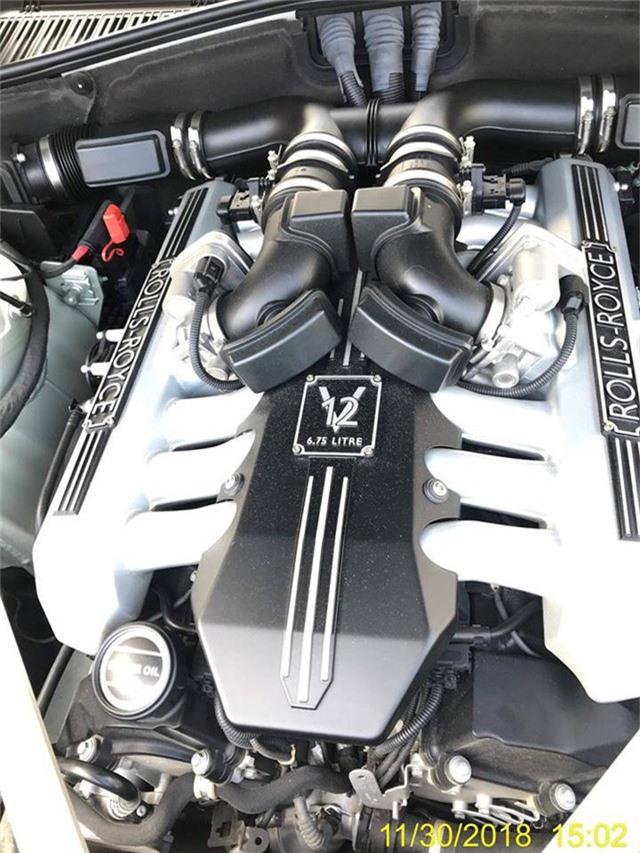 Rolls-Royce Phantom Series II sở hữu nội thất như của dân chơi Ả Rập về Việt Nam - Ảnh 6.