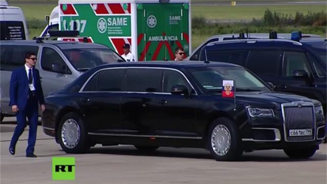 Siêu xe mới của Tổng thống Nga Vladimir Putin luôn thu hút sự chú ý. (Ảnh: RT)