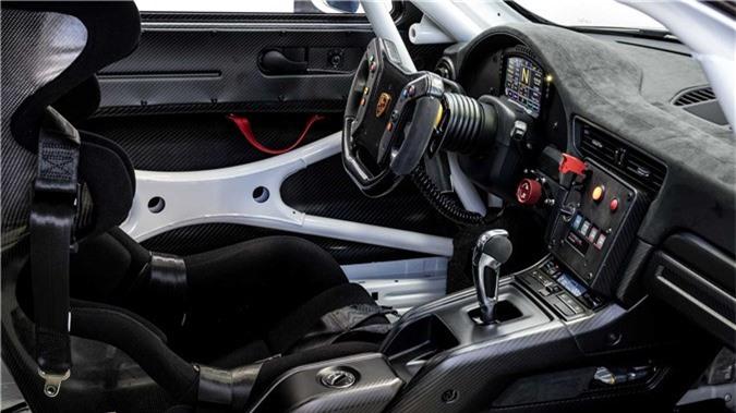 porsche-911-gt2-rs-clubsport-xe-dua-9.jpg
