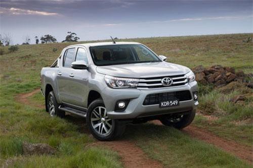 2. Toyota Hilux (doanh số: 13.383 chiếc).