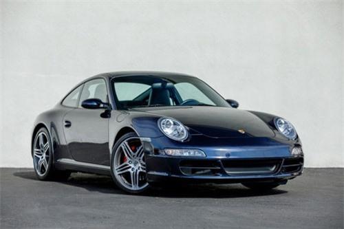 3. Porsche 911 2020.