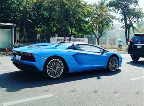 kham pha lamborghini aventador s roadster cua dai gia campuchia hinh 3