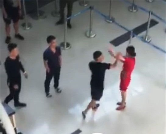 Nhóm côn đồ hành hung nhân viên Vietjet tại sân bay Thọ Xuân ngày 23/11
