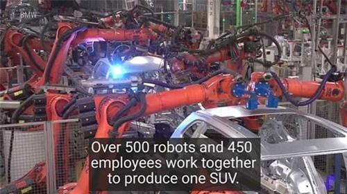 Clip: Khám phá 'đội quân' robot bên trong nhà máy BMW. Để sản xuất một chiến BMW, nhiều công đoạn phải dùng đến 'đội quân' robot lớn. (CHI TIẾT)