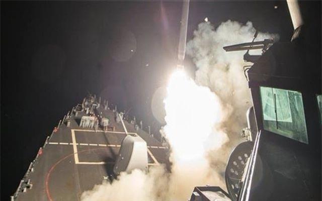 Liên quân Mỹ bị tố bắn 14 tên lửa tấn công quân đội Syria