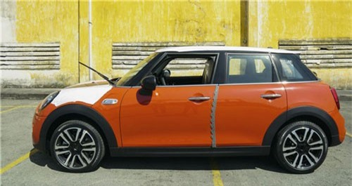 Lô xe MINI mới sắp ra mắt tại Việt Nam. Lô xe MINI thuộc phiên bản mới vừa cập cảng Tp.HCM và sẽ ra mắt người tiêu dùng Việt vào cuối tháng này. (CHI TIẾT)