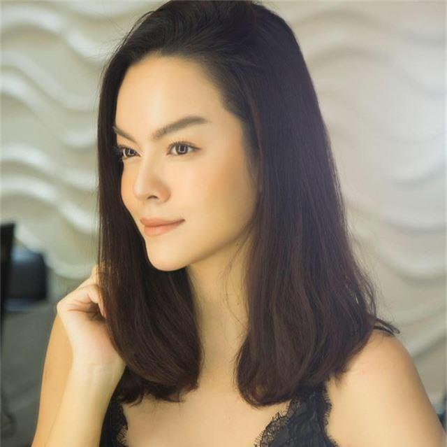 Sau đổ vỡ hôn nhân, Phạm Quỳnh Anh đã lạc quan bước tiếp, bà mẹ hai con được khen nhan sắc ngày càng xinh đẹp hơn.