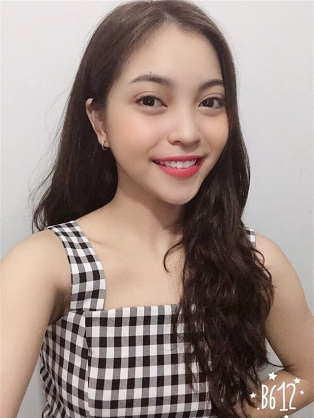 Nhật Lê (bạn gái tiền vệ Quang Hải) được nhắc đến thường xuyên trong thời điểm anh chàng thi đấu giải vô địch U23 châu Á và giải AFF Cup 2018.