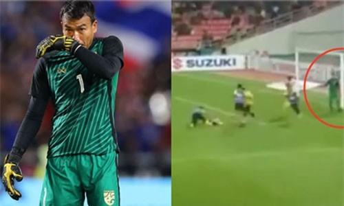 Thủ môn Chatchai bị cầu thủ Malaysia chế giễu ngay trên sân