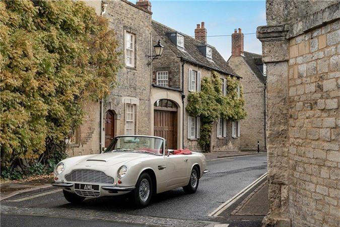 Aston Martin lắp động cơ điện cho xe cổ mui trần DB6 MkII ảnh 10
