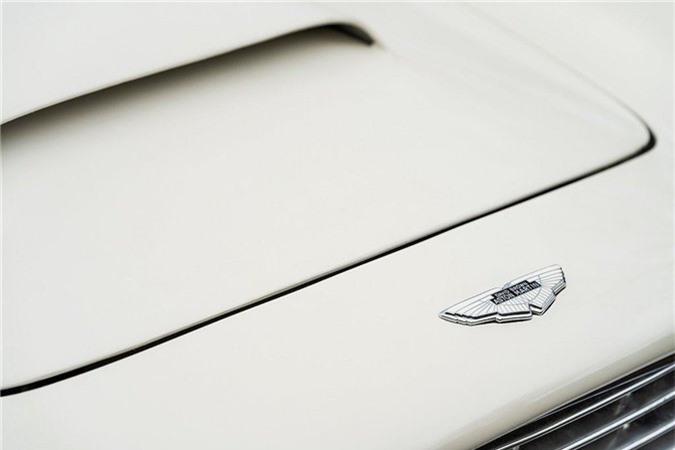 Aston Martin lắp động cơ điện cho xe cổ mui trần DB6 MkII ảnh 12