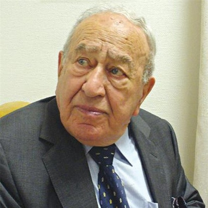 Tỷ phú Marcel Adams cũng 98 tuổi, hiện nắm giữ tài sản là 1,7 tỷ USD. Ảnh: Forbes.