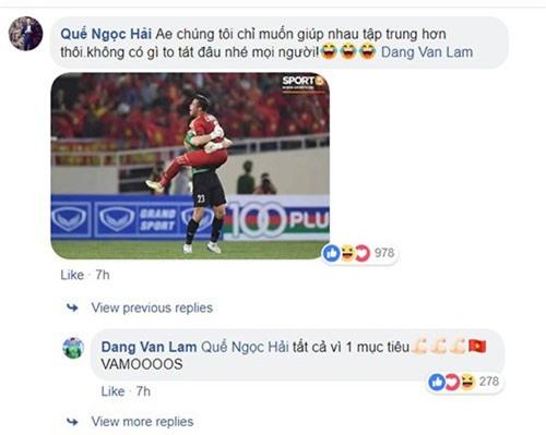 Văn Lâm và Ngọc Hải giải thích trên Facebook