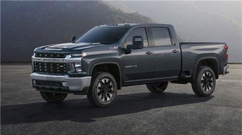 """Hé lộ bán tải """"khủng long"""" Chevrolet Silverado HD trước ngày ra mắt. Tiếp tục hoàn thiện dòng bán tải Silverado thế hệ mới, những bức hình đầu tiên của phiên bản siêu trọng Chevrolet Silverado HD đã vừa được hãng xe Mỹ hé lộ. (CHI TIẾT)"""
