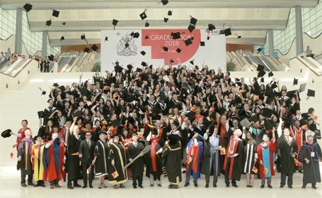Hơn 1.000 tân cử nhân đại học RMIT Việt Nam năm 2018 đã tốt nghiệp