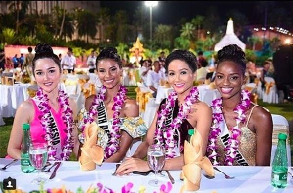 Bận rộn với lịch trình dày đặc tại Miss Universe, HHen Niê vẫn khiến fan hâm mộ tự hào vì điều này - Ảnh 1.