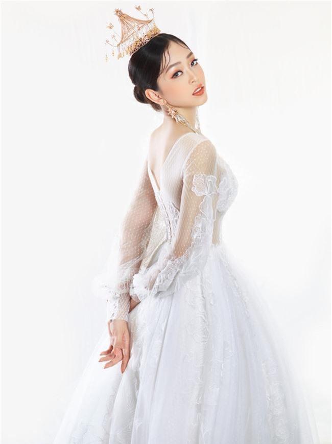 Bị chê người mỏng, Á hậu Phương Nga bất ngờ tung ảnh mặc váy cưới khoe vòng một đầy đặn khó ngờ - Ảnh 13.
