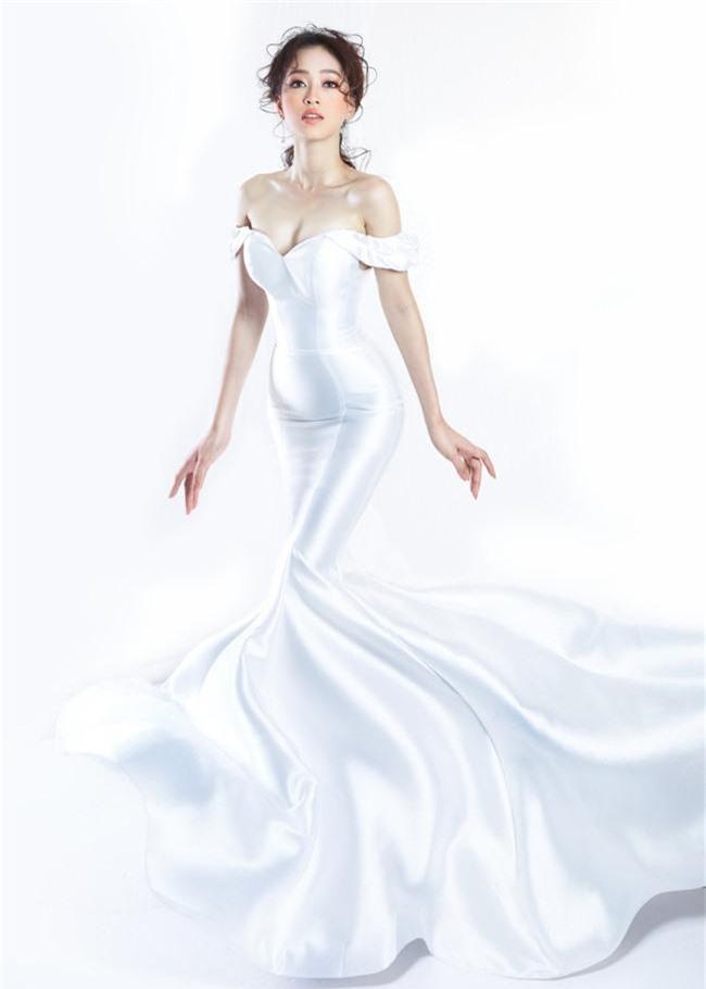 Bị chê người mỏng, Á hậu Phương Nga bất ngờ tung ảnh mặc váy cưới khoe vòng một đầy đặn khó ngờ - Ảnh 3.