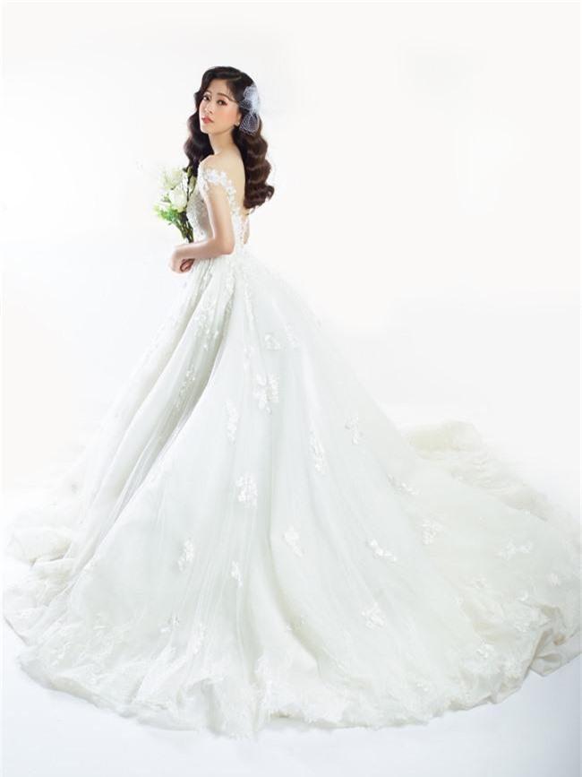 Bị chê người mỏng, Á hậu Phương Nga bất ngờ tung ảnh mặc váy cưới khoe vòng một đầy đặn khó ngờ - Ảnh 8.