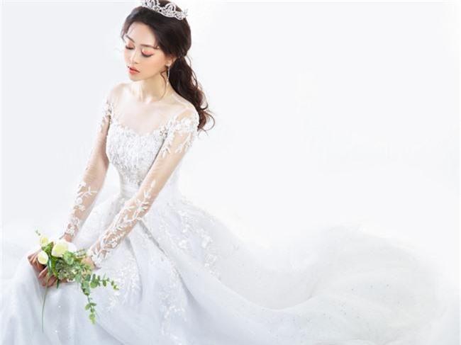 Bị chê người mỏng, Á hậu Phương Nga bất ngờ tung ảnh mặc váy cưới khoe vòng một đầy đặn khó ngờ - Ảnh 9.
