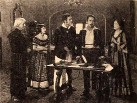 """Rất nhiều thước phim Mỹ được quay trước năm 1929 đã bị huỷ hoại và trong số đó còn có cả phim… 3D. Bộ phim 3D đầu tiên của thế giới có tên """"The power of love"""" được quay từ năm 1922 với sự trợ giúp của 2 máy quay, 2 máy chiếu và thậm chí, bộ phim này còn mang đến cho khán giả 2 đoạn kết, 1 bi thảm, 1 hạnh phúc để tuỳ ý lựa chọn."""