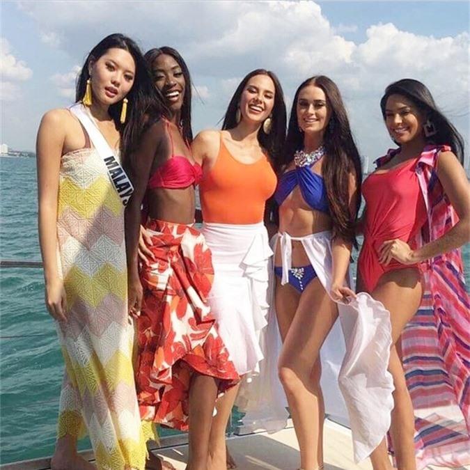 HHen Niê diện bikini khoe da nâu ở biển Thái Lan - 2