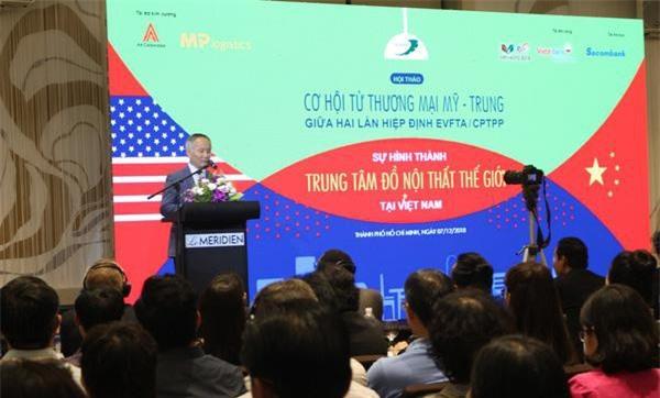 Thứ trưởng Bộ Công Thương Trần Quốc Khách chia sẻ về tác động của CPTPP và EVFTA đối với ngành gỗ xuất khẩu Việt Nam (Ảnh: VĐ)