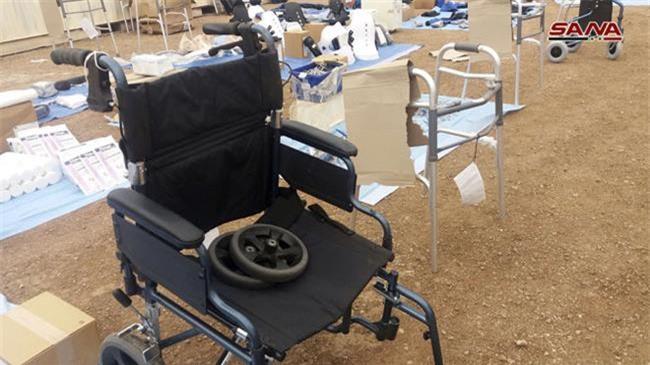 Thiết bị y tế cũng được tìm thấy tại nơi ẩn náu của phiến quân.