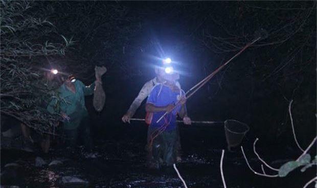 Đêm săn vũ nữ chân dài ở miền gái đẹp xứ Tuyên-1