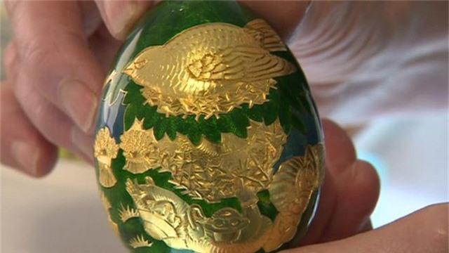 Quả trứng này là một trong 12 quả được sản xuất cho một cuộc thi do Cadburys tổ chức từ năm 1983.