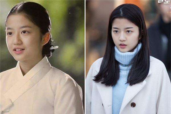 Kim Huyn Soo sinh năm 2000 bắt đầu sự nghiệp với tư cách người mẫu nhí cho một công ty giải trí. Năm 2011, mỹ nhân thử sức với vai trò diễn viên và nhận được nhiều sự chú ý của các đạo diễn. Cô chuyên trị vai nữ chính thời nhỏ và được khán giả biết đến qua một số bộ phim như Vì sao đưa anh tới, Mặt nạ cô dâu...