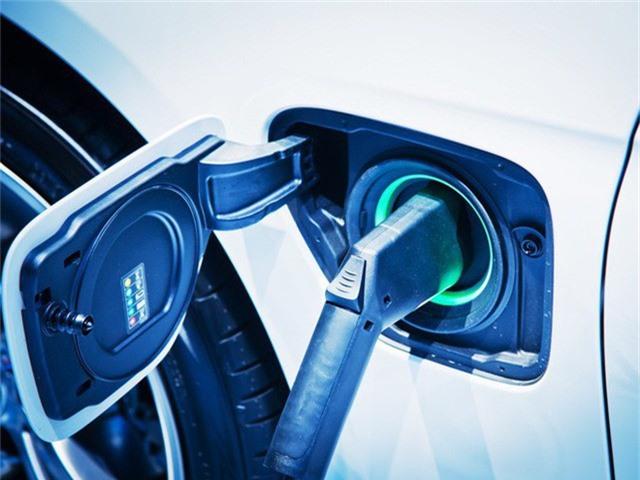 Công nghệ sạc mới cho phép ô tô điện sạc nhanh như đổ xăng: 3 phút đi được 100km, đầy bình pin chỉ trong 15 phút - Ảnh 1.