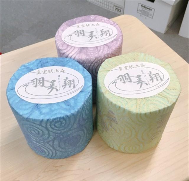 Giấy vệ sinh sang chảnh 1 triệu đồng 3 cuộn, in cả thơ của Nhật Bản có gì đặc biệt? - Ảnh 4.