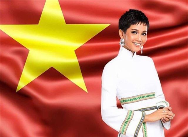 Cô gái người Ê-đê không chỉ là hoa hậu của Việt Nam mà còn là nhan sắc được thế giới chú ý