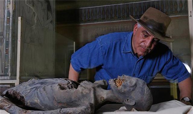 Nhà khảo cổ Ai Cập liên tục bị ác mộng sau khi khai quật xác ướp - Ảnh 2.