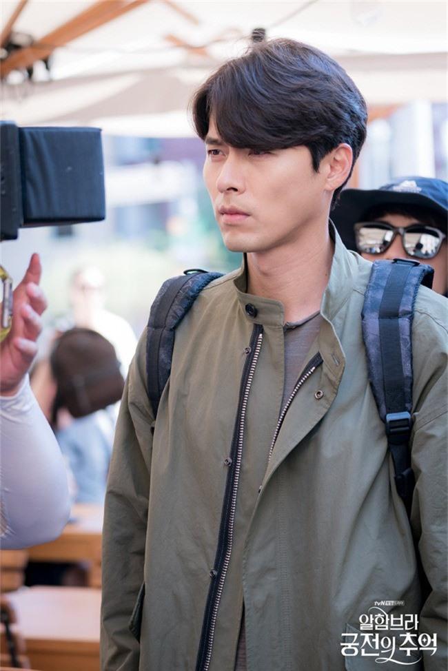 Fan của Hyun Bin sẽ thấy yêu anh hơn khi xem những hình ảnh hậu trường này - Ảnh 5.