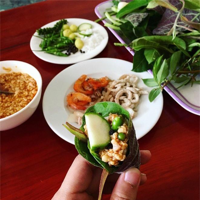 Kon Tum có 1 loại gỏi cuốn chung tới hơn 30 loại lá và là một đặc sản nức tiếng vùng Tây Nguyên-2