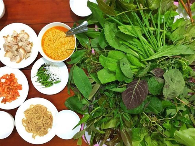 Kon Tum có 1 loại gỏi cuốn chung tới hơn 30 loại lá và là một đặc sản nức tiếng vùng Tây Nguyên-3
