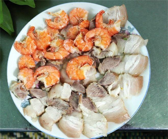 Kon Tum có 1 loại gỏi cuốn chung tới hơn 30 loại lá và là một đặc sản nức tiếng vùng Tây Nguyên-7