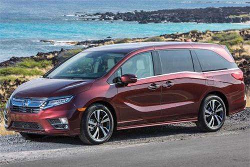 2. Honda Odyssey (doanh số: 216.123 chiếc).