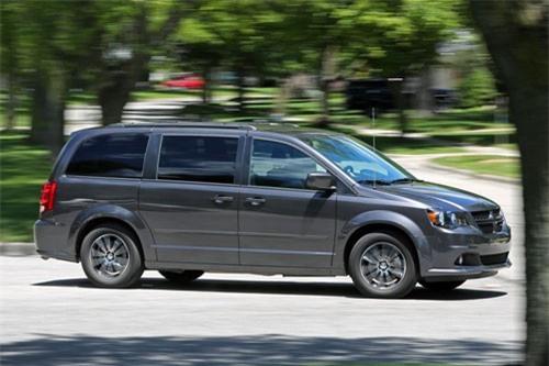 4. Dodge Grand Caravan (doanh số: 179.825 chiếc).