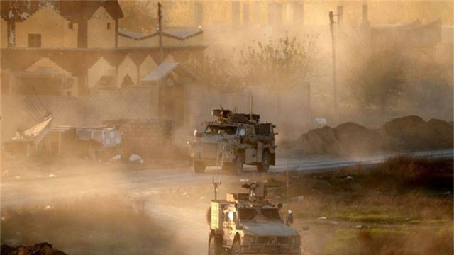 Hai đặc nhiệm Anh trúng tên lửa của IS ở Syria - Ảnh 1.