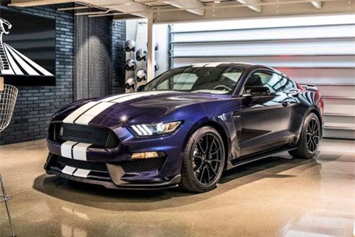 5. Ford Mustang Shelby GT350.