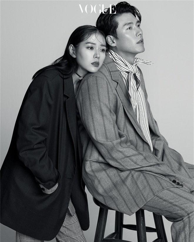 Hot hơn cặp đầu năm: Rộ tin tài tử Hyun Bin và Son Ye Jin đang hẹn hò, còn cùng nhau du lịch ở Mỹ với bố mẹ? - Ảnh 1.
