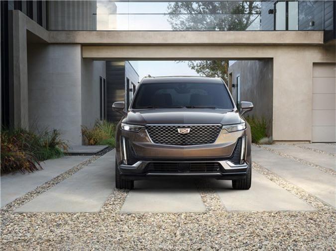 Cadillac XT6 2020 ra mắt với thiết kế 3 hàng ghế. Sau nhiều mong chờ, mẫu crossover 3 hàng ghế Cadillac XT6 2020 đã chính thức lộ diện với thiết kế sang trọng, thanh lịch nhưng không kém phần mạnh mẽ. (CHI TIẾT)