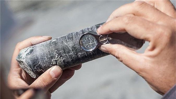 Các nhà nghiên cứu vừa phát hiện một mỏ đất hiếm cực lớn ngoài khơi biển Nhật Bản.