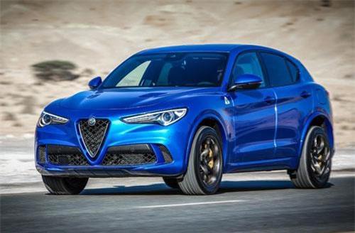 6. Alfa Romeo Stelvio Quadrifoglio (vận tốc tối đa: 285 km/h).