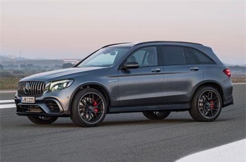=8. Mercedes-AMG GLC 63 S 4Matic Plus (vận tốc tối đa: 280 km/h).