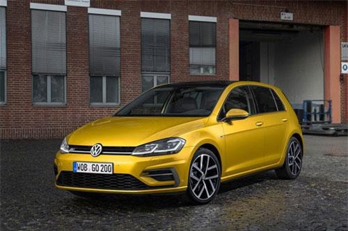 2. Volkswagen Golf (doanh số: 789.519 chiếc).